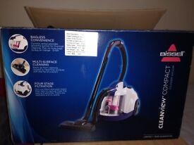 Multipurpose bagless vacuum cleaner in very good condition