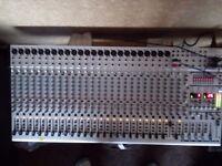 Behringer SL 3242FX Mixer With Flight Case