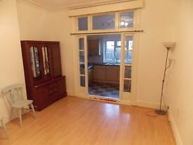 ** Double room available now in a lovely Massive house** only £170pw