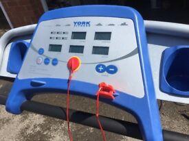 York Running Machine & Crosstrainer