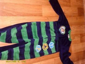 boys age 4/5 yrs onesie with tag on brand new selling for 3.00