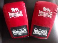 Lonsdale ladies mitts/gloves