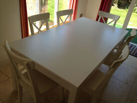 URGENT - White extendable table 175 / 260 length - 1 year old age