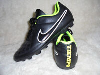 nike tiempo football boots size 5