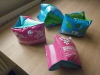 MOTHERCARE SWIMMING ARMBANDS (2 PAIRS)/SWIMMING RINGS (2)