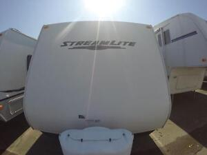 2011 Gulfstream Streamlite 28QVD- 2 BUNK BEDS + EXTRA LARGE DINE