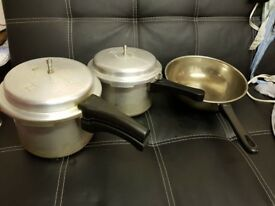 Pressure cokkers and frying pan good condition