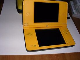 Nintendo DSi XL Yellow Console Bundle 15 Games + Charger and Yelllow Case