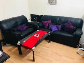Like New Black Leather 3 + 2 Seater Lounge Sofa Suite Set