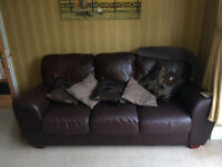 Leather sofa /settee 2 & 3 seater matching