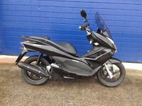 2012 HONDA PCX 125 SCOOTER IMMACULATE CONDITION FSH LOTS SPENT £££
