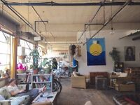 Double rooms in huge creative warehouse with studio space and screen print - live in/work space