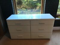 Chest of Drawers in White Glass