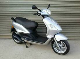 2009 PIAGGIO FLY 125 SCOOTER LOW MILEAGE *VERY CLEAN CONDITION*