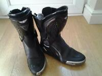 dainese black motorcycle boots size 8/42