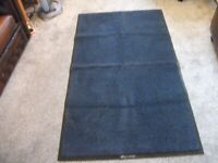 HEAVY DUTY RUBBER BACKED MAT RUG APPROX 5 FT X 3FT