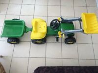 Kids John Deere pedal ride on tractor and trailor (like new)
