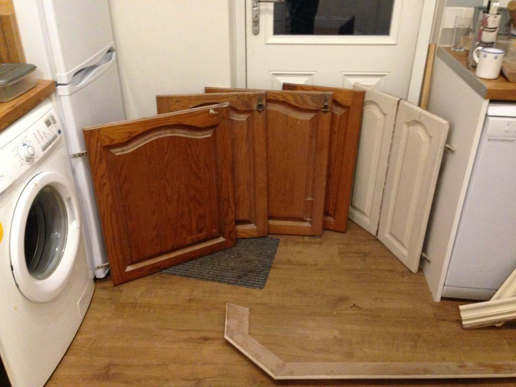 Oak kitchen doors and cornice.