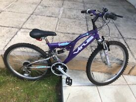 24' MOUNTAIN BIKE EMERALD GOOD CONDITION