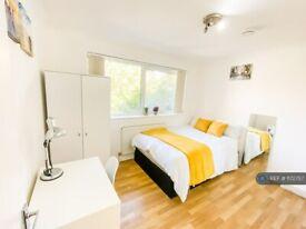 1 bedroom in Capstan Square, London, E14 (#1172757)