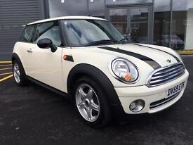 Mini one 1.4 2009 gleaming white stop/start panoramic sunroof 80k £3595 treat your girlfriend