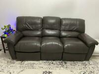 Three seater recliner leather sofa very good condition.