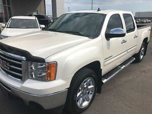 2013 GMC Sierra 1500 SLT  Leather, Sunroof, Pristine Truck!!