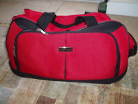 ANTLER WHEELED HOLDALL WITH RETRACTABLE HANDLE, RED