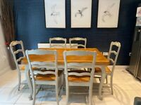 Beautiful extending dining table and 6 chairs