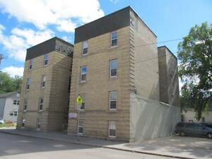 Spacious 2 Bedroom Available - Suite#201 | 724 Wellington Ave