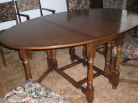 Dining table and 6 chairs £50