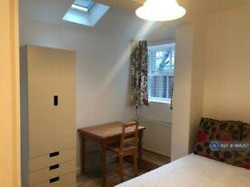 1 bedroom in Searles Road, London, SE1 (#988257)