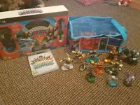 Skylanders ps3 starter pack and figures with carry case