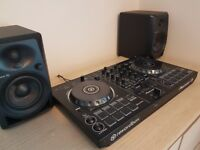 Selling pioneer DDJ-RB controller & pionner DM-40 speakers perfect working conditon !
