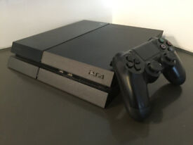 Sony PlayStation 4 Black 500 GB Console in good condition PS4 with Controller