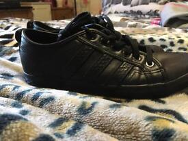 Adidas honey lo size 6 great condition
