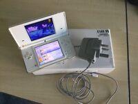 White Nintendo DSi