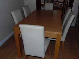 Next Light Oak Extending Dining Table & 6 Matching Chairs in excellent condition