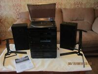 JVC Radio/Compact Disc/Cassette Desk Receiver/Auto-return Turntable with speakers/stands