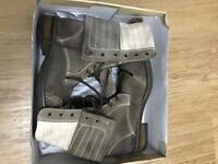 Men's boots size 10 UK