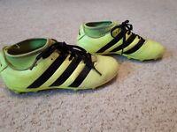 Football boots size 4 adidas