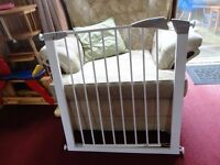 stair gate for sale complete with fittings
