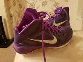 Nike hyperdunk basketball shoes size 10