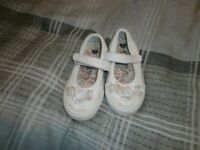 3 piars of baby shoes size 5 and 6