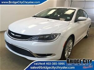 2015 Chrysler 200 Limited- Heated Seats, Remote Start!