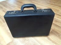 FOR SALE: Tula leather briefcase