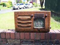 1930s Vintage wooden art deco valve radio