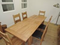 Oak Vancouver extendable table and 6 chairs with leather seats