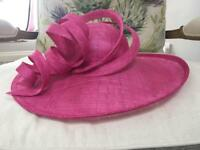 Ladies fuschia hat