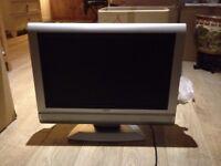 proline monitor/ tv , hd ready vga, dvi, scart , DVD built in